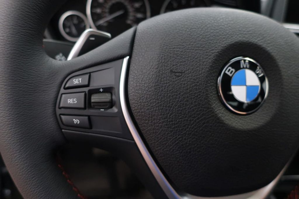 2017 BMW 3 Series 330i - 16640640 - 37