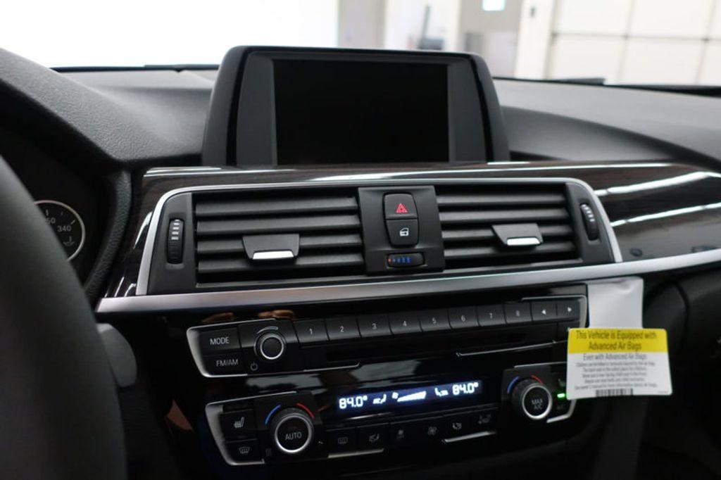 2017 BMW 3 Series 330i - 16640640 - 39