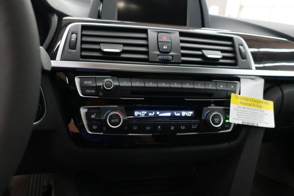 2017 BMW 3 Series 330i - 16640640 - 40