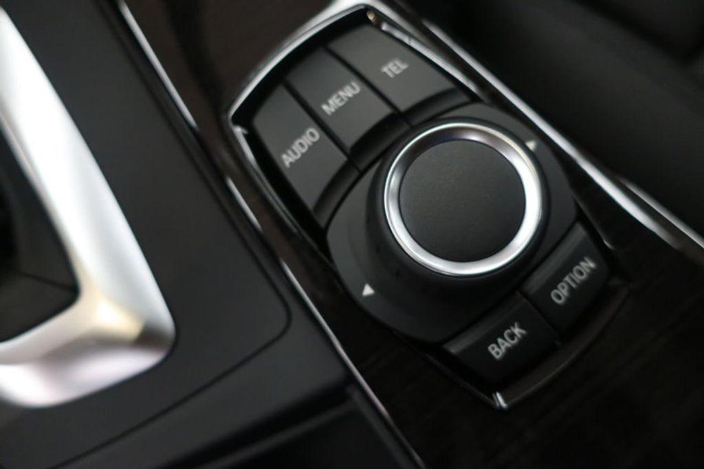 2017 BMW 3 Series 330i - 16640640 - 43