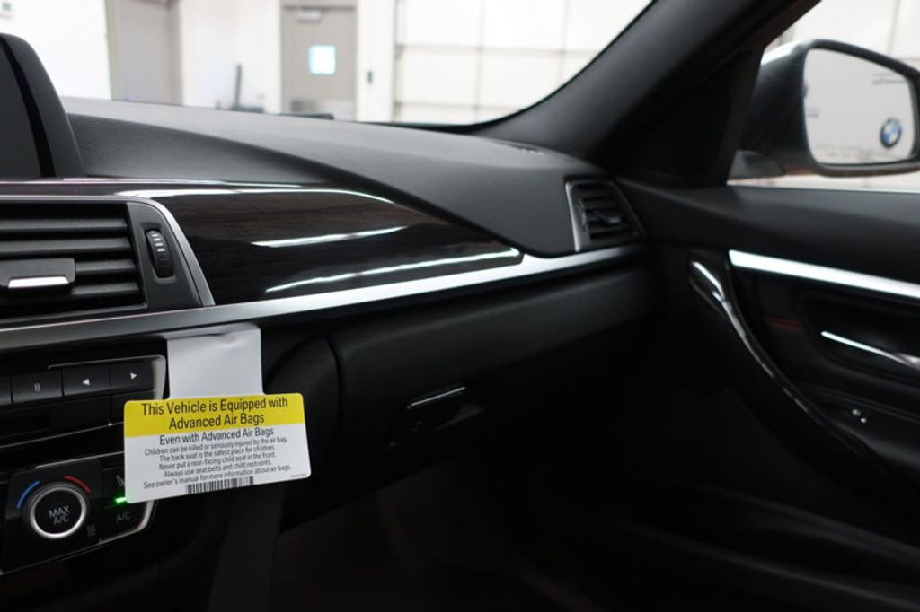2017 BMW 3 Series 330i - 16640640 - 44