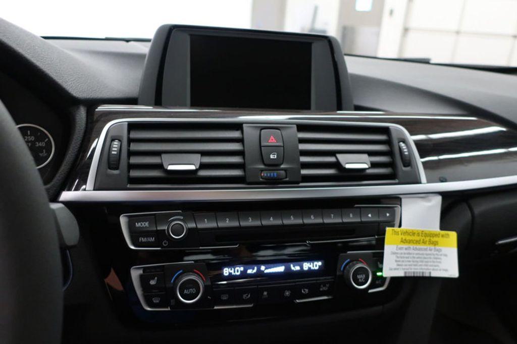 2017 BMW 3 Series 330i - 16640640 - 45