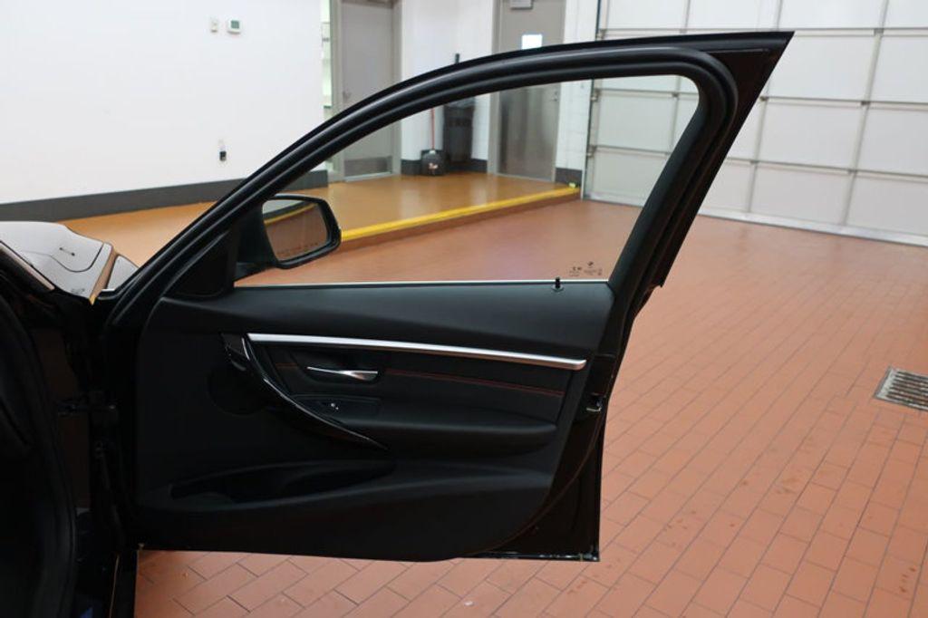 2017 BMW 3 Series 330i - 16640641 - 19