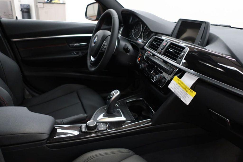 2017 BMW 3 Series 330i - 16640641 - 27