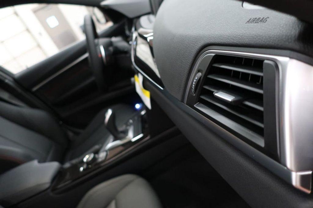 2017 BMW 3 Series 330i - 16640641 - 28