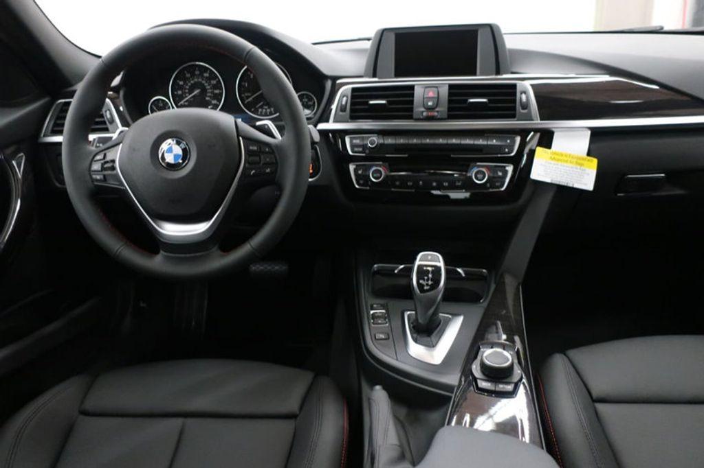 2017 BMW 3 Series 330i - 16640641 - 33