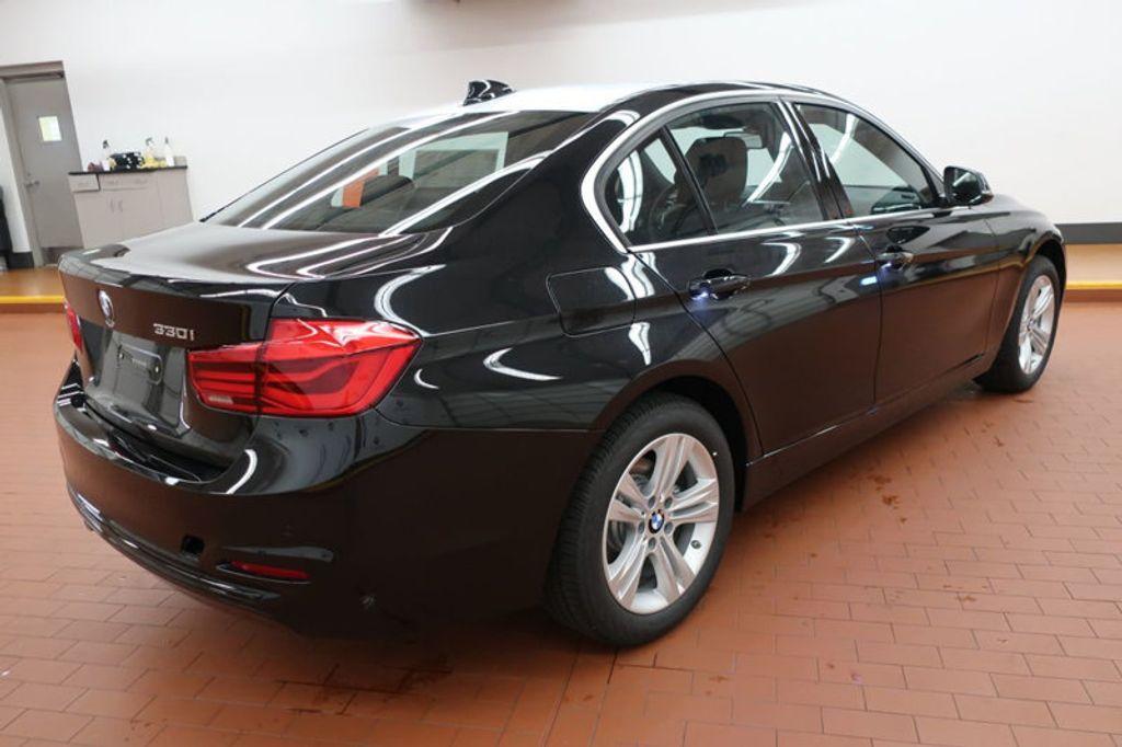 2017 BMW 3 Series 330i - 16640641 - 3