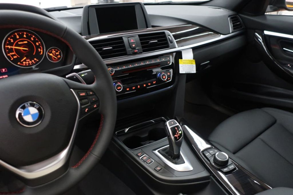 2017 BMW 3 Series 330i - 16640641 - 42