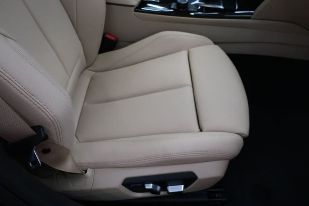 2017 BMW 3 Series 330i - 16640643 - 23