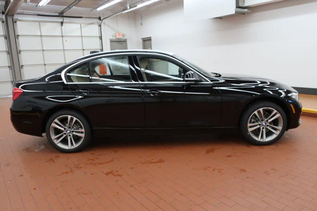 2017 BMW 3 Series 330i - 16640643 - 4