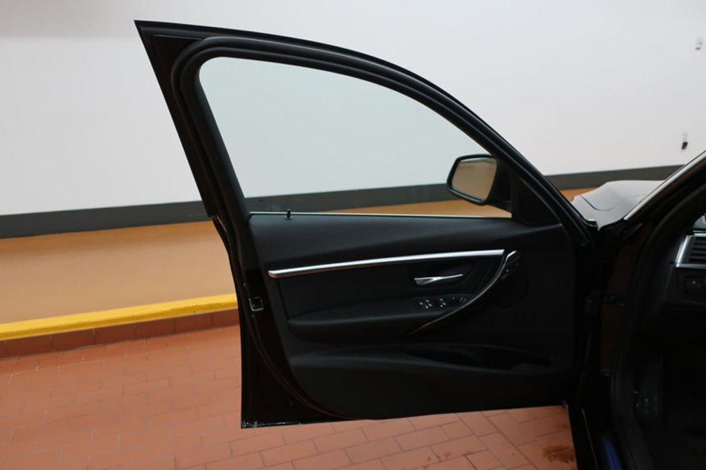2017 BMW 3 Series 330i - 16640645 - 10