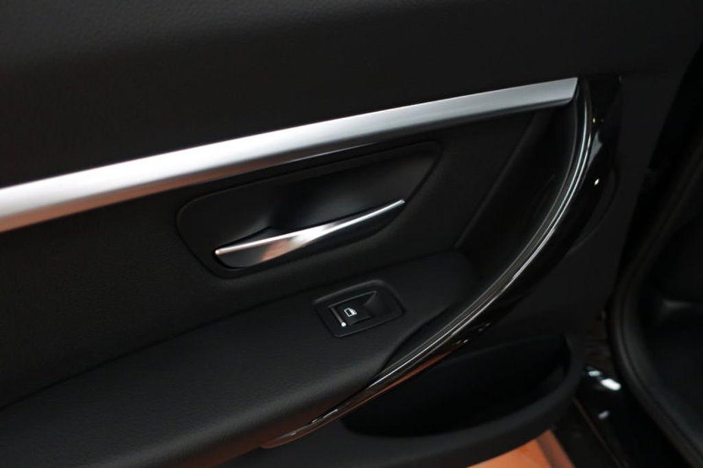2017 BMW 3 Series 330i - 16640645 - 16