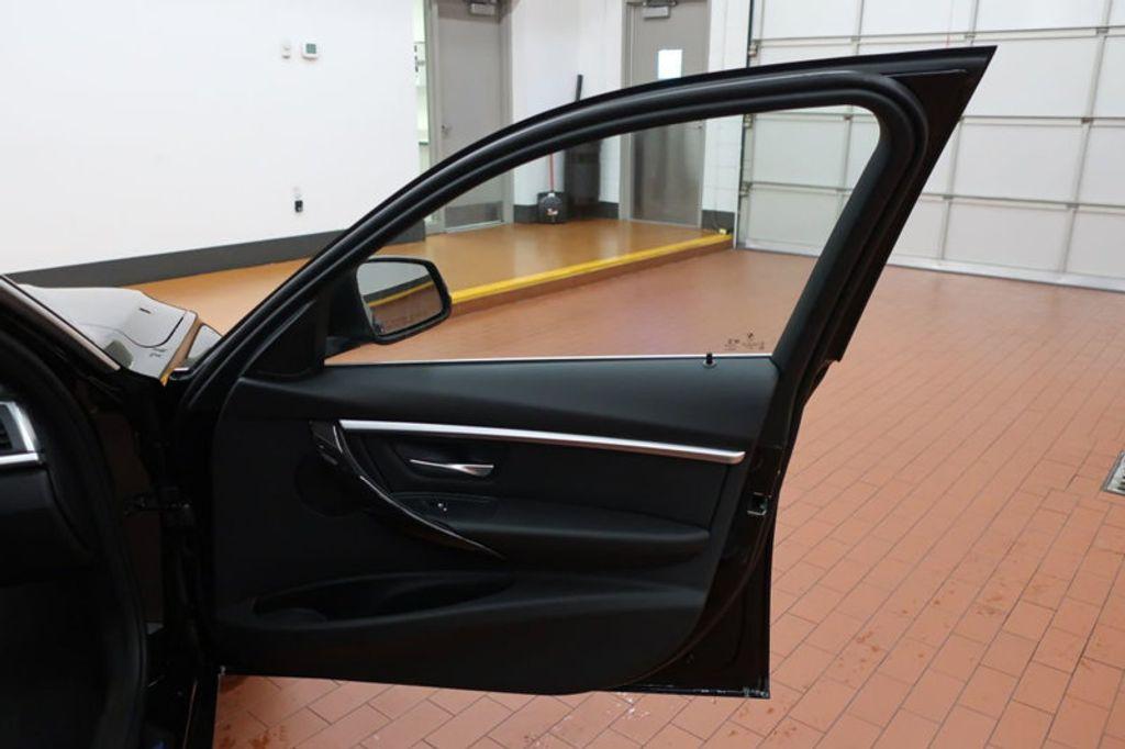 2017 BMW 3 Series 330i - 16640645 - 19