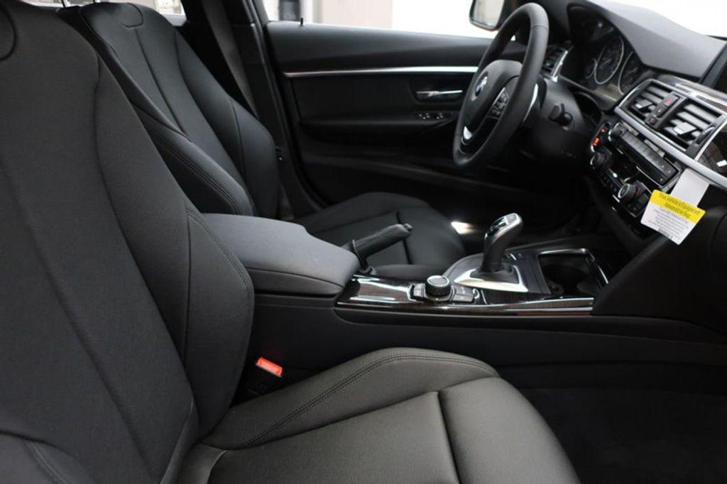 2017 BMW 3 Series 330i - 16640645 - 21