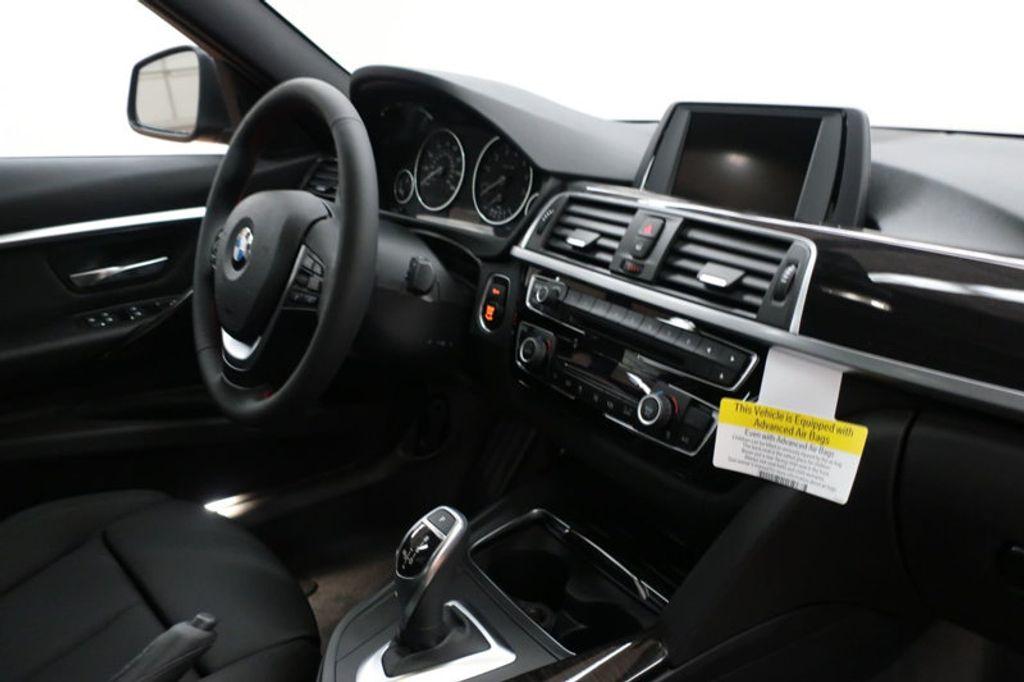 2017 BMW 3 Series 330i - 16640645 - 25