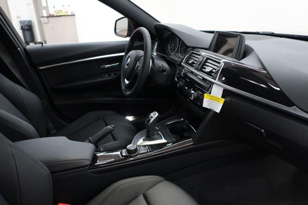 2017 BMW 3 Series 330i - 16640645 - 27