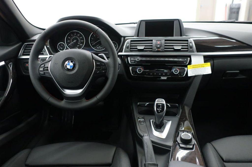 2017 BMW 3 Series 330i - 16640645 - 33