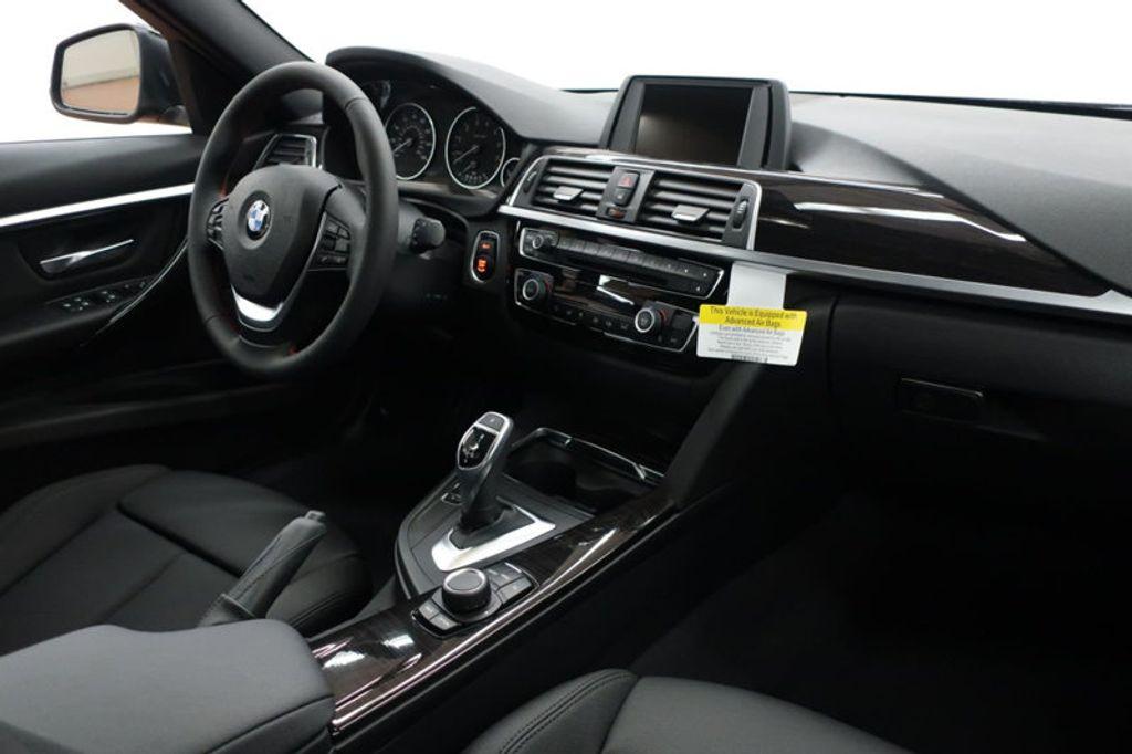 2017 BMW 3 Series 330i - 16640645 - 34