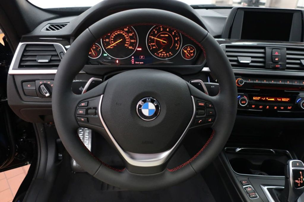2017 BMW 3 Series 330i - 16640645 - 38