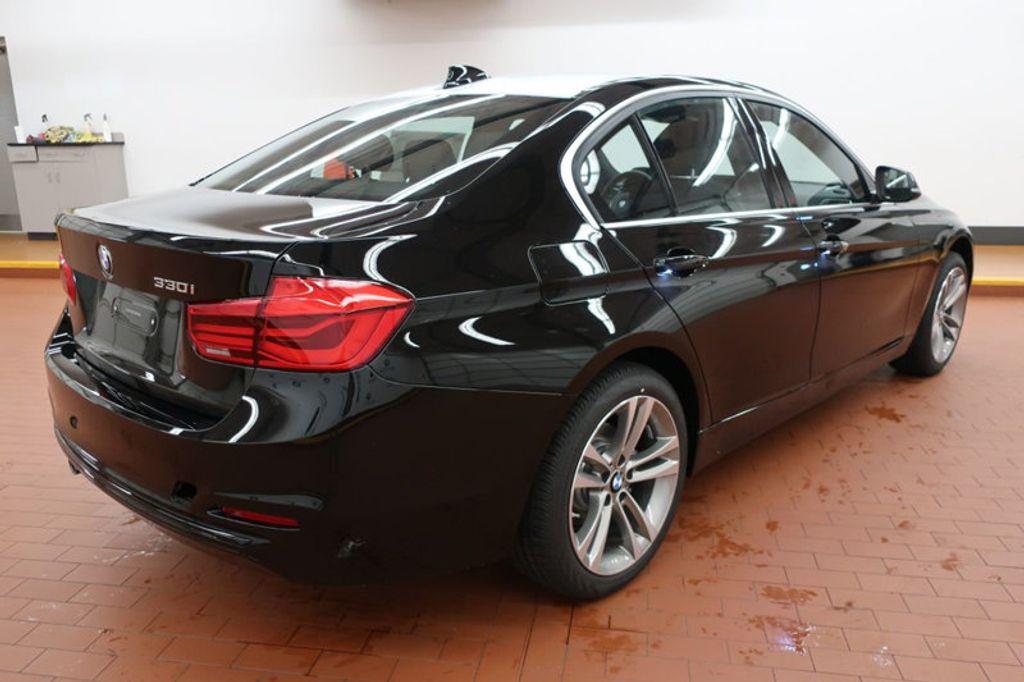 2017 BMW 3 Series 330i - 16640645 - 3
