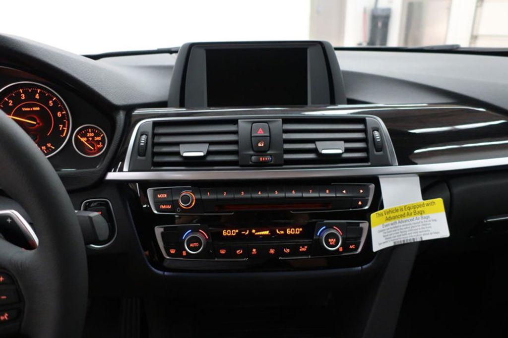 2017 BMW 3 Series 330i - 16640645 - 41