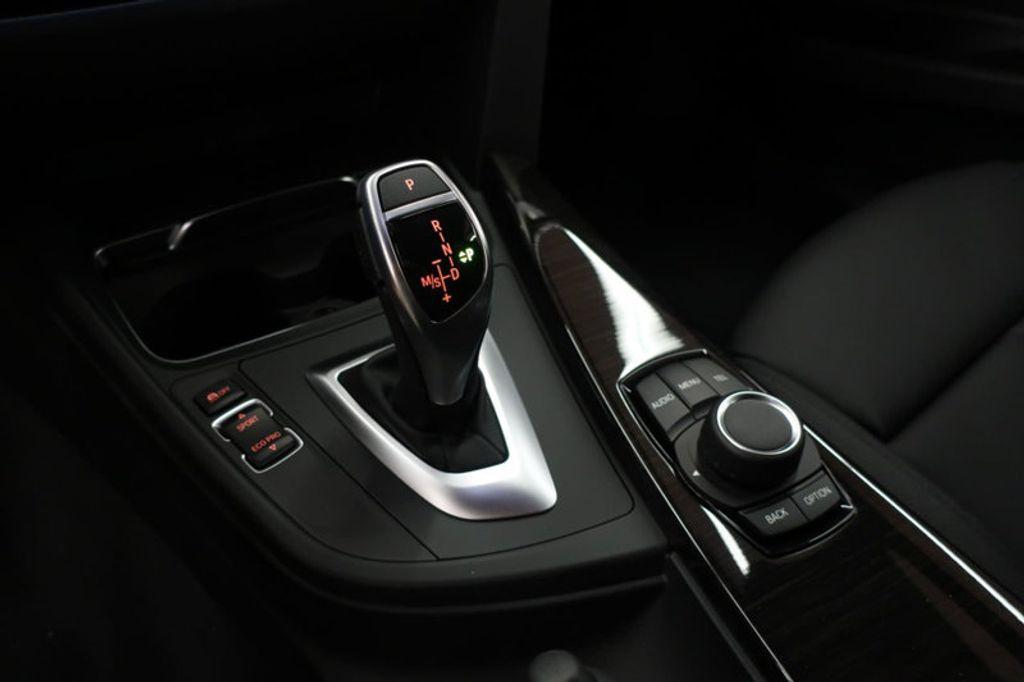 2017 BMW 3 Series 330i - 16640645 - 43
