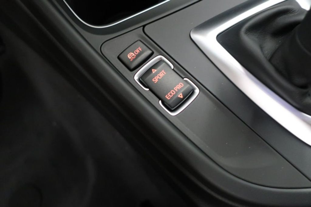 2017 BMW 3 Series 330i - 16640645 - 44