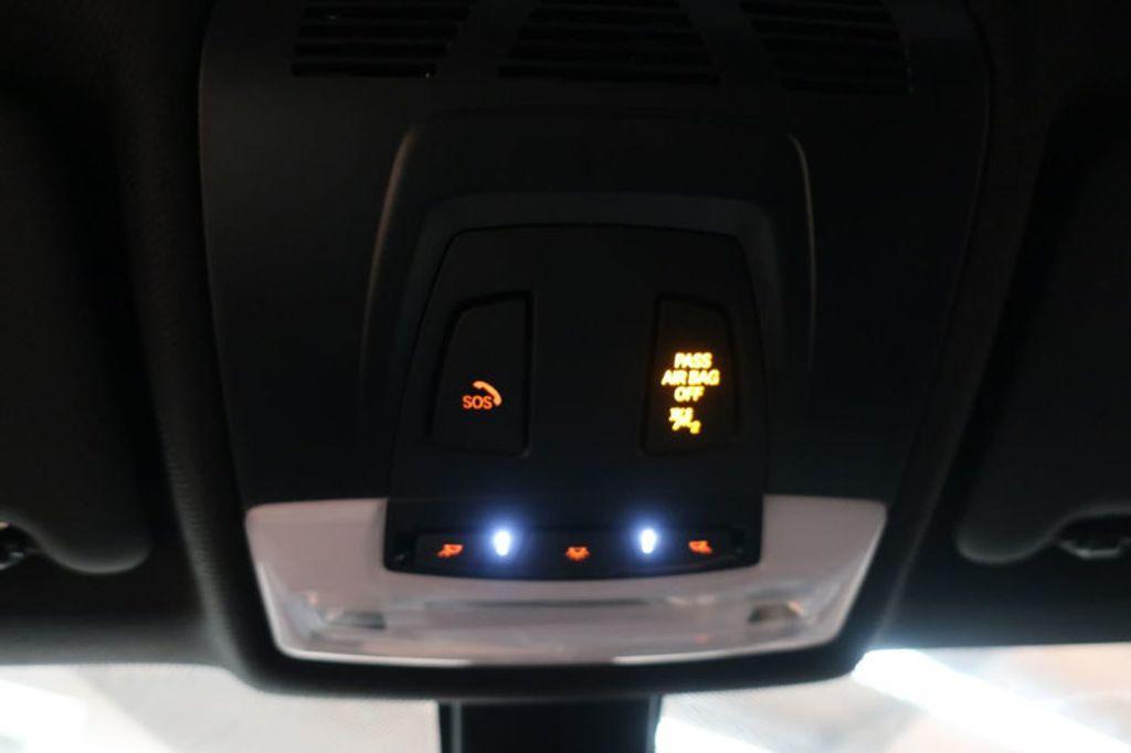 2017 BMW 3 Series 330i - 16640645 - 48