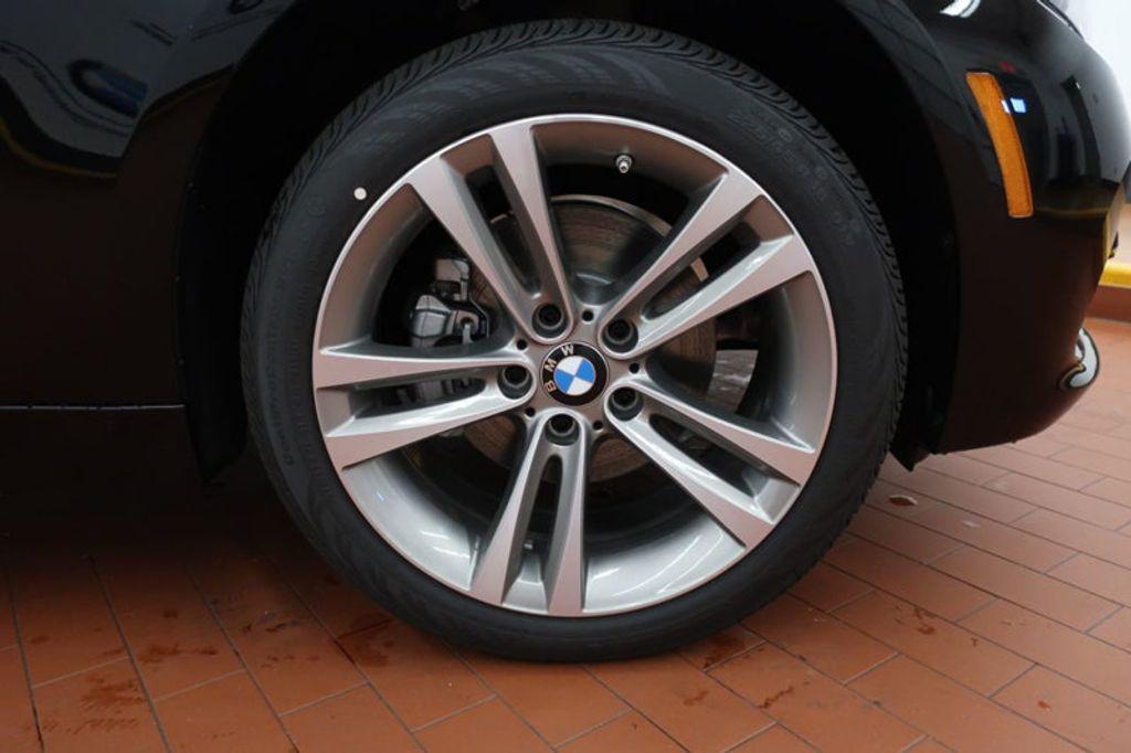 2017 BMW 3 Series 330i - 16640645 - 5