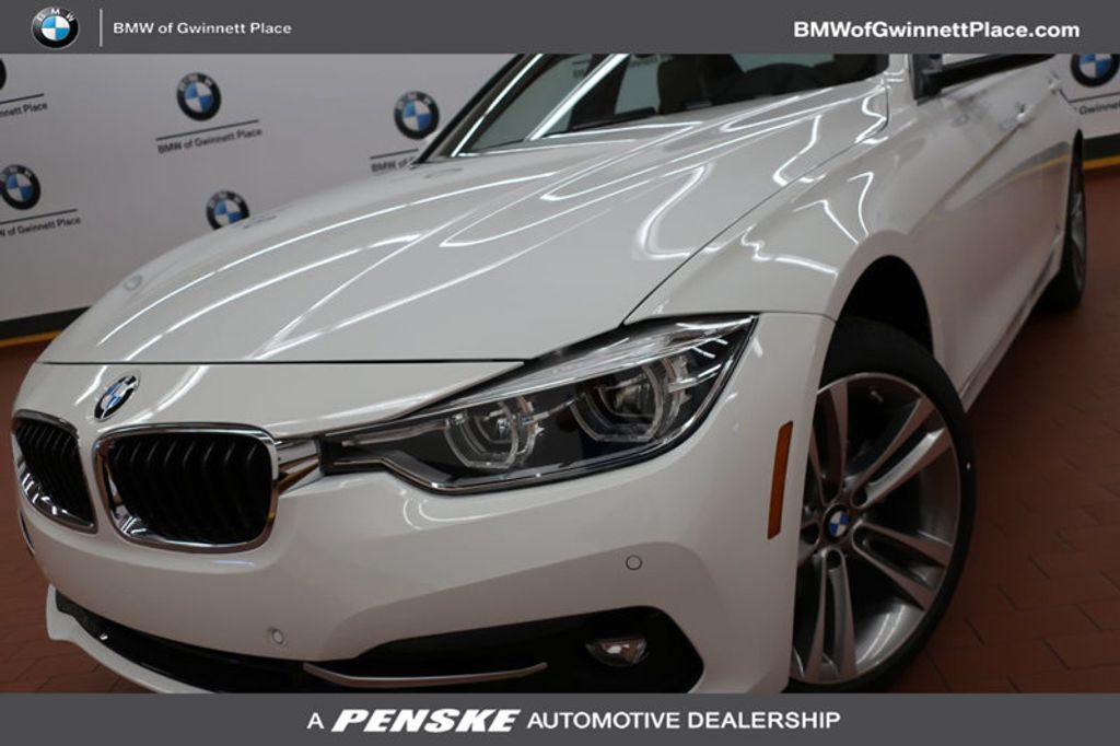 2017 BMW 3 Series 330i - 16640646 - 0