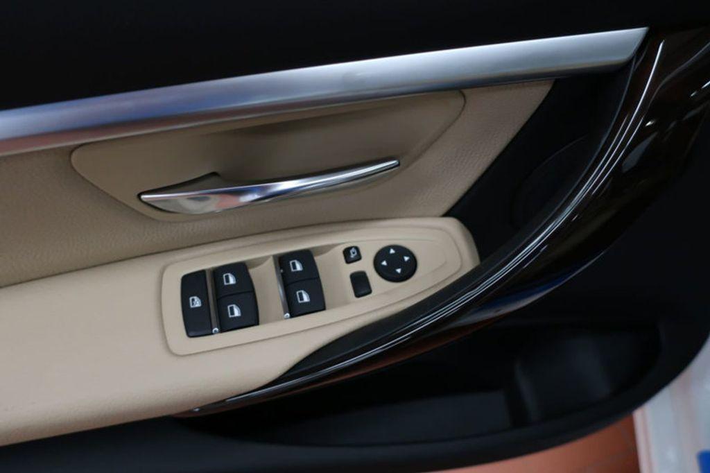 2017 BMW 3 Series 330i - 16640646 - 10
