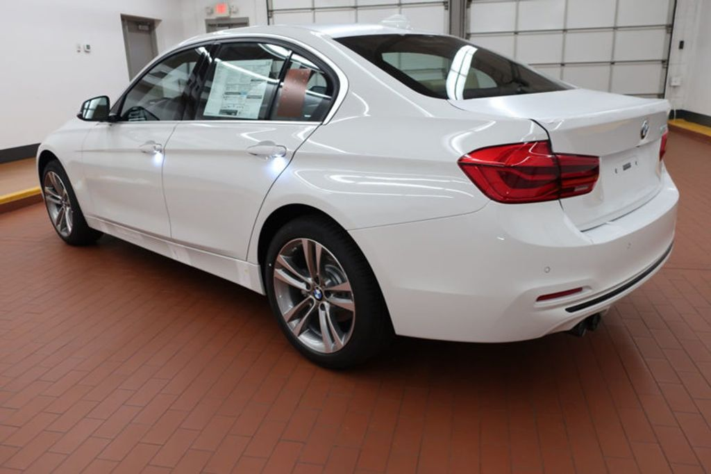 2017 BMW 3 Series 330i - 16640646 - 2