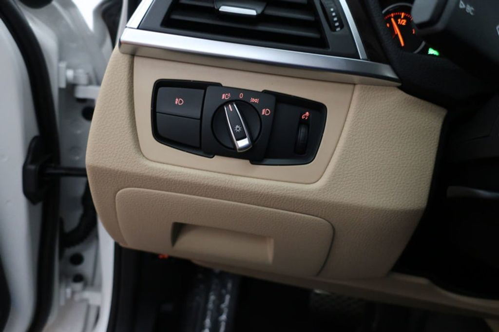 2017 BMW 3 Series 330i - 16640646 - 34