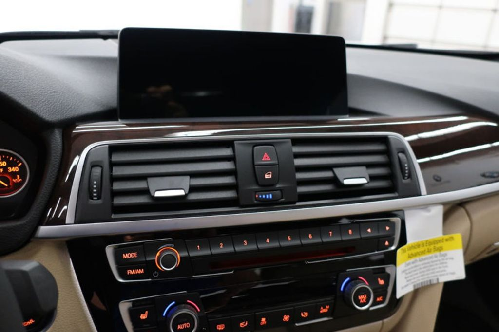 2017 BMW 3 Series 330i - 16640646 - 40