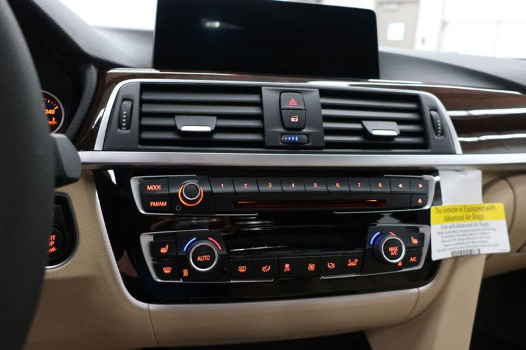 2017 BMW 3 Series 330i - 16640646 - 41