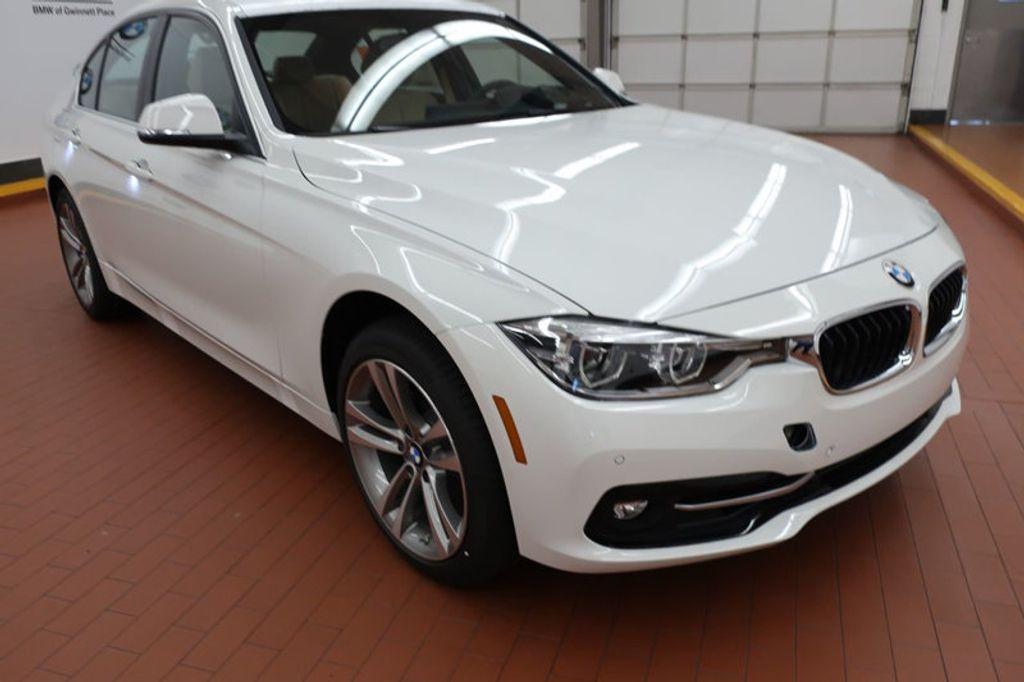 2017 BMW 3 Series 330i - 16640646 - 5