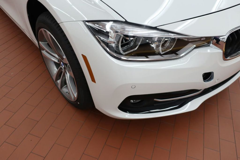 2017 BMW 3 Series 330i - 16640646 - 6