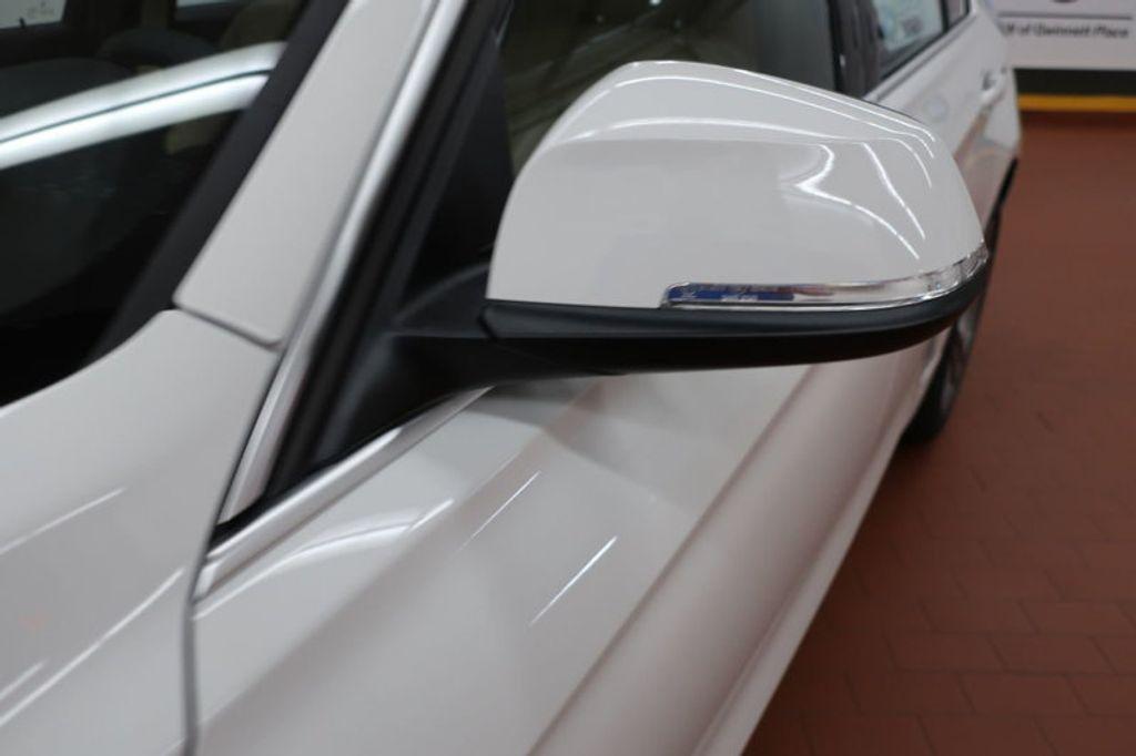 2017 BMW 3 Series 330i - 16640646 - 8