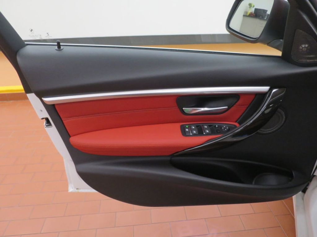 2017 BMW 3 Series 340i - 15843756 - 9