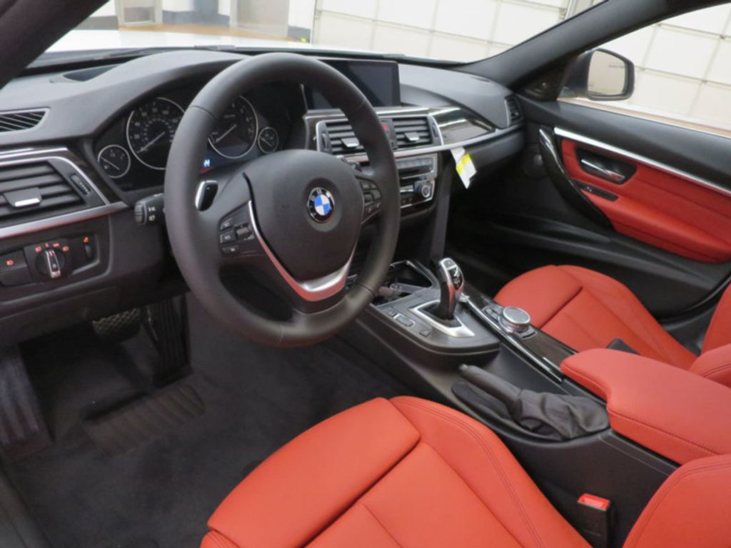 2017 BMW 3 Series 340i - 15843756 - 32