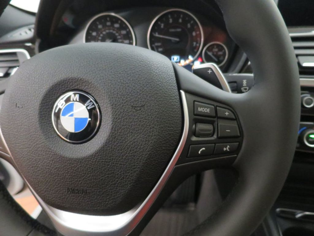2017 BMW 3 Series 340i - 15843756 - 38
