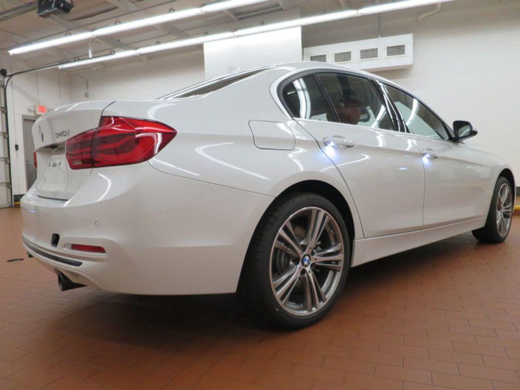 2017 BMW 3 Series 340i - 15843756 - 3