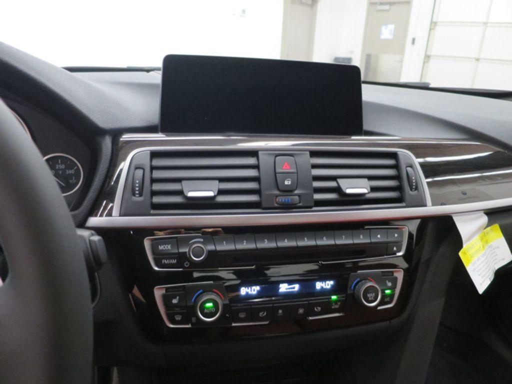 2017 BMW 3 Series 340i - 15843756 - 39