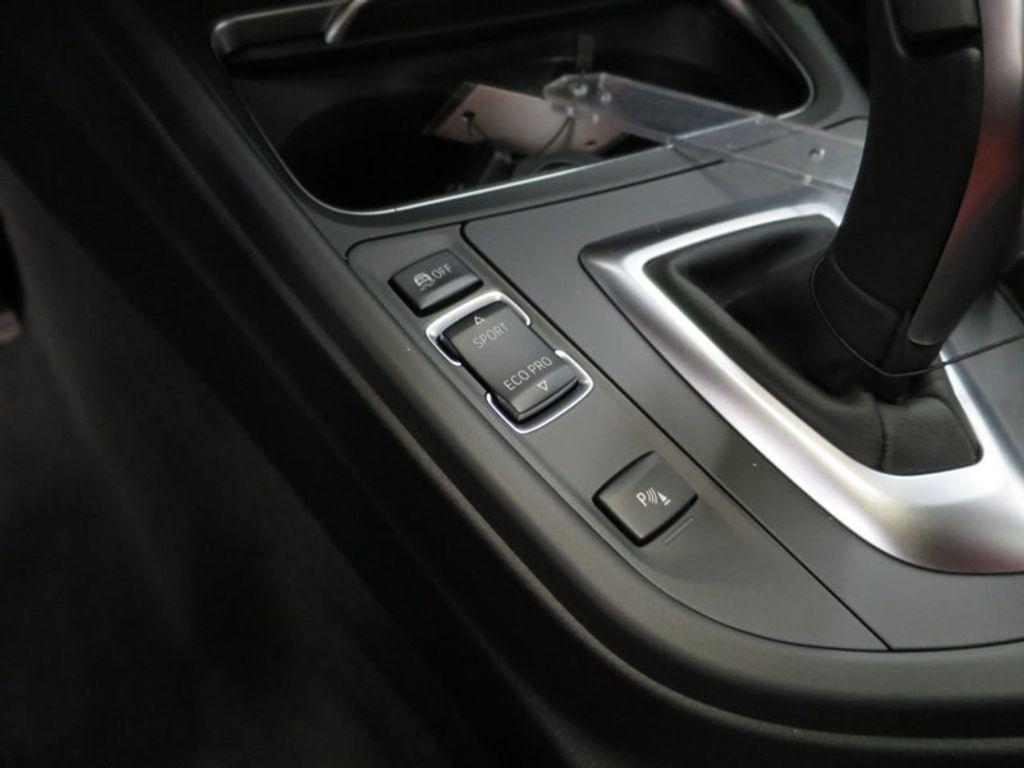 2017 BMW 3 Series 340i - 15843756 - 43