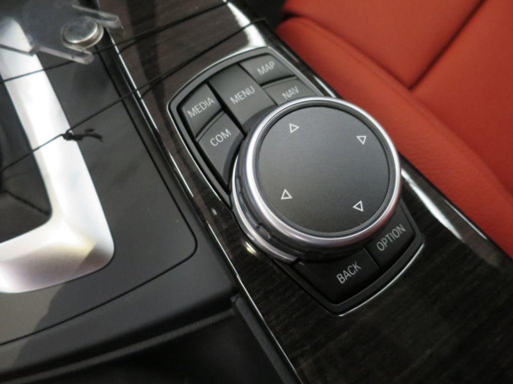 2017 BMW 3 Series 340i - 15843756 - 44