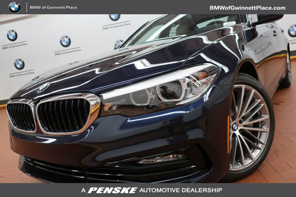 2017 BMW 5 Series 530i - 16635904 - 0