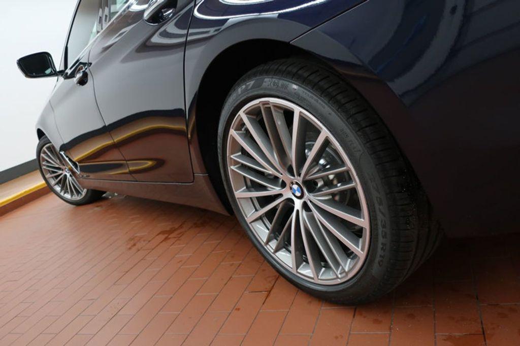 2017 BMW 5 Series 530i - 16635904 - 9