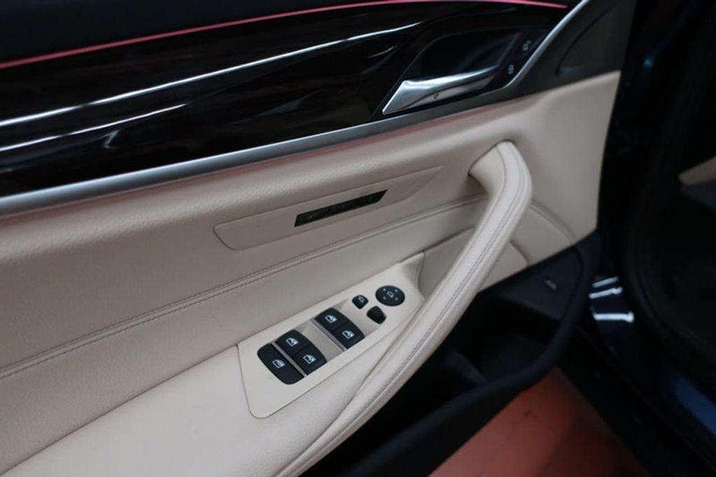 2017 BMW 5 Series 530i - 16635904 - 11