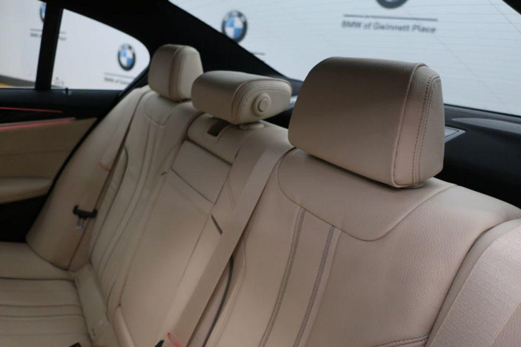 2017 BMW 5 Series 530i - 16635904 - 18