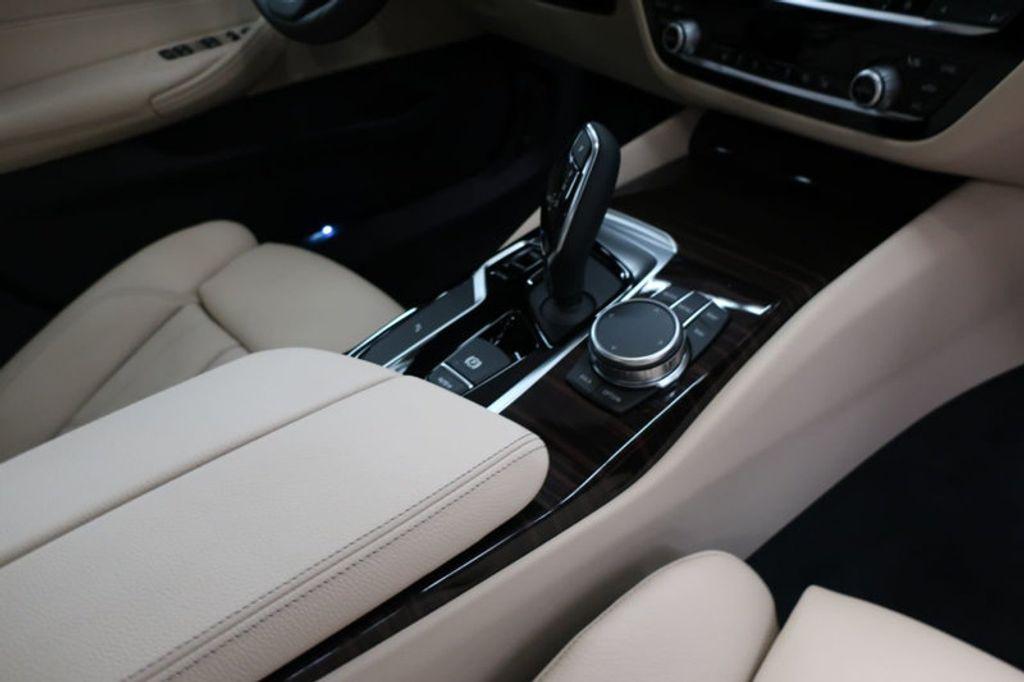 2017 BMW 5 Series 530i - 16635904 - 24
